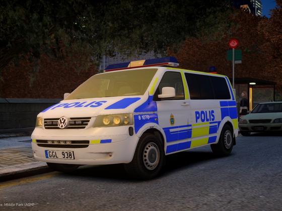 Volkswagen T5 Multivan 2009 Swedish Police | Front