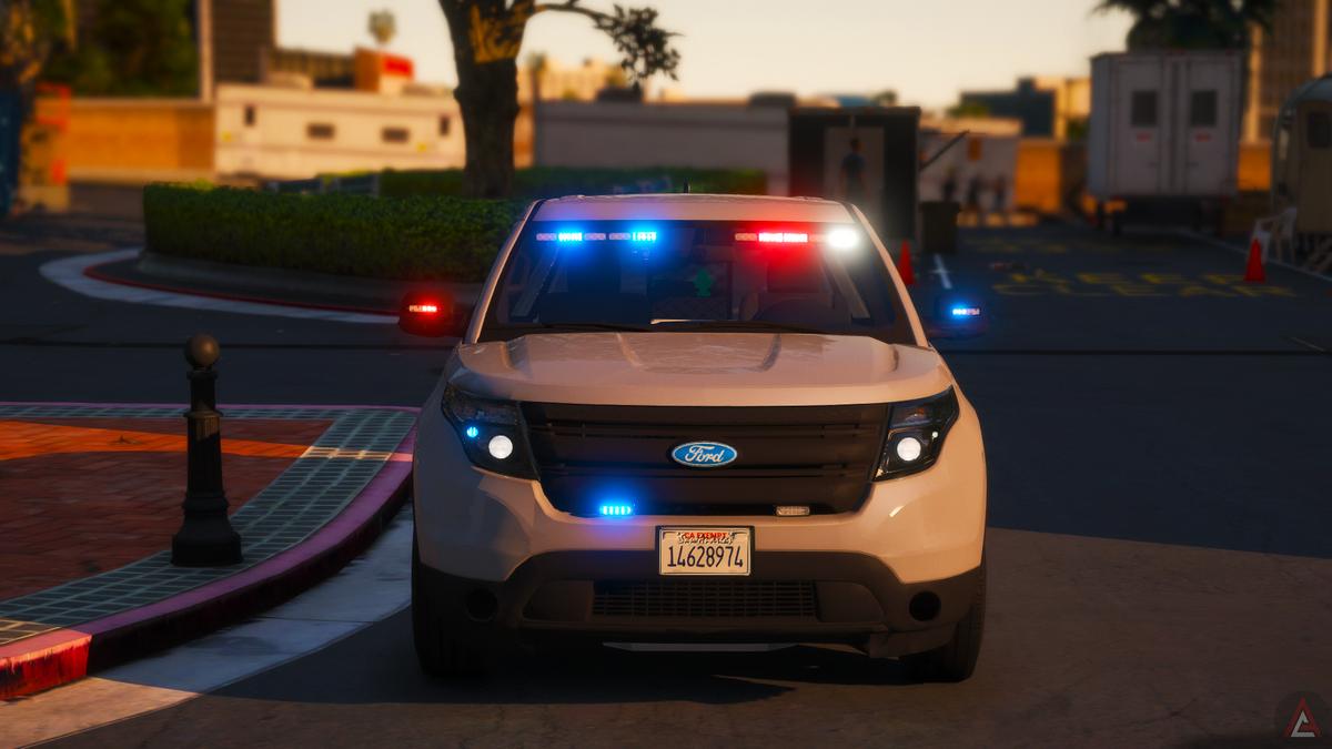   LAPD EXPLORER UNMARKED '16  