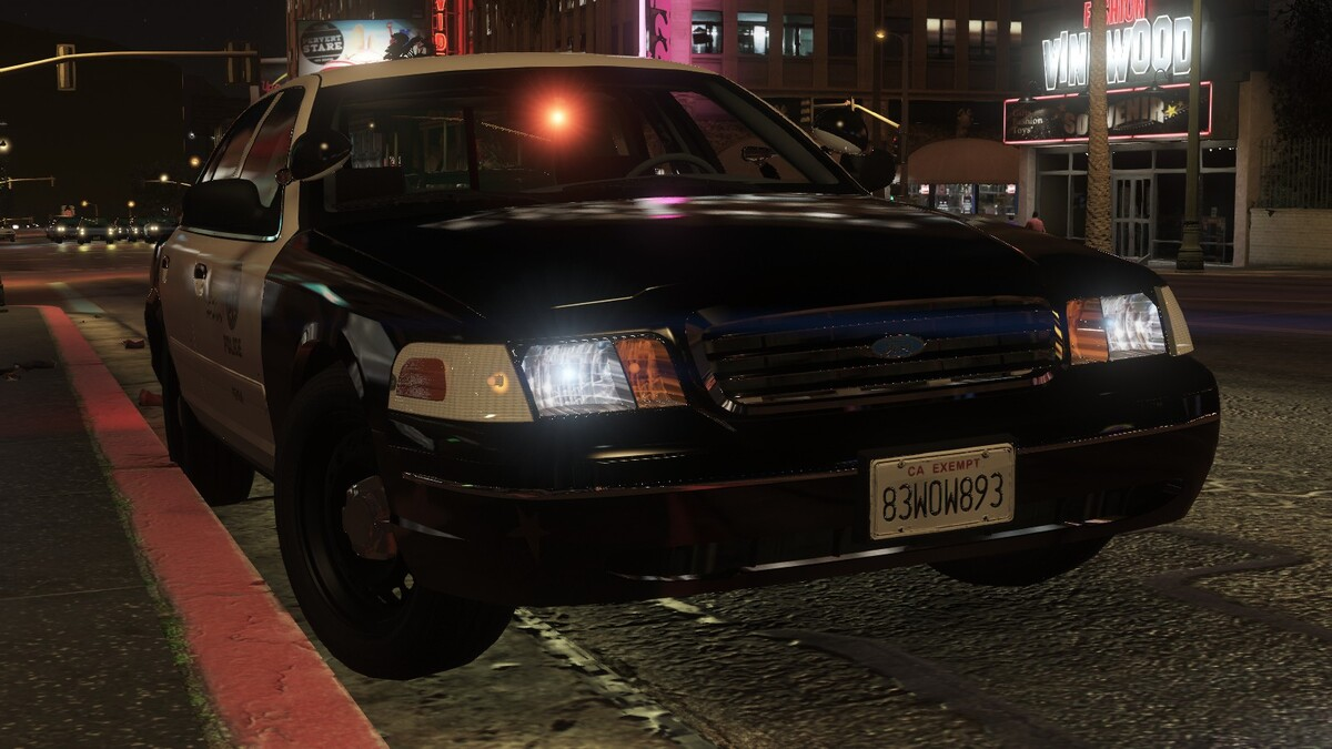 1998 Ford Crown Victoria P71- Los Angeles Police Dept. Gang Unit